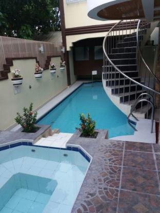 picture 1 of Coolmartin Resort