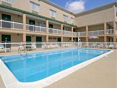 Motel 6-Columbus, OH - West