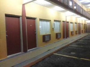 Sweets Inn Motel