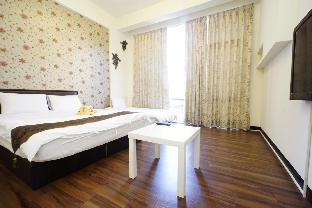 Elegant Double room -Fengjia night market