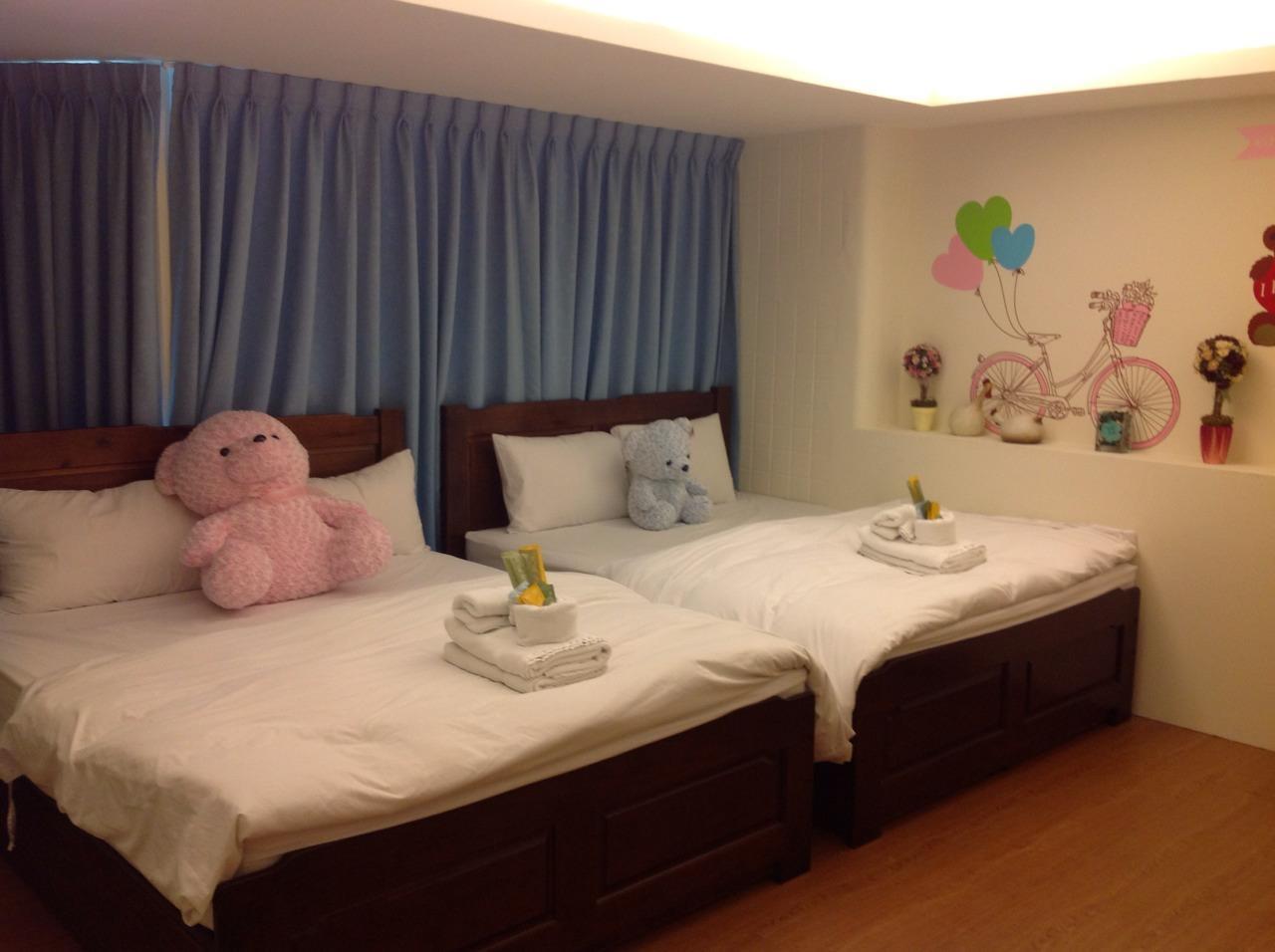 Love Fengjia Colorful Hotel