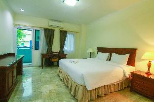 2BR Exclusive Kemang Apartment By Travelio
