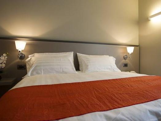 Zara Rooms And Suites