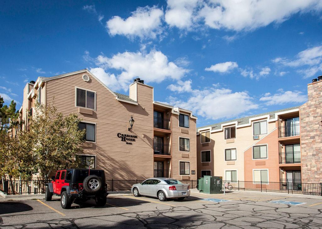 Carriage House Condominiums By All Seasons Resort Lodging