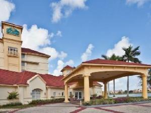 La Quinta Inn & Suites Ft Lauderdale Airport