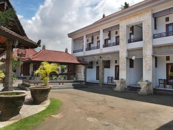 Puri Jayaraja Guest House Bali