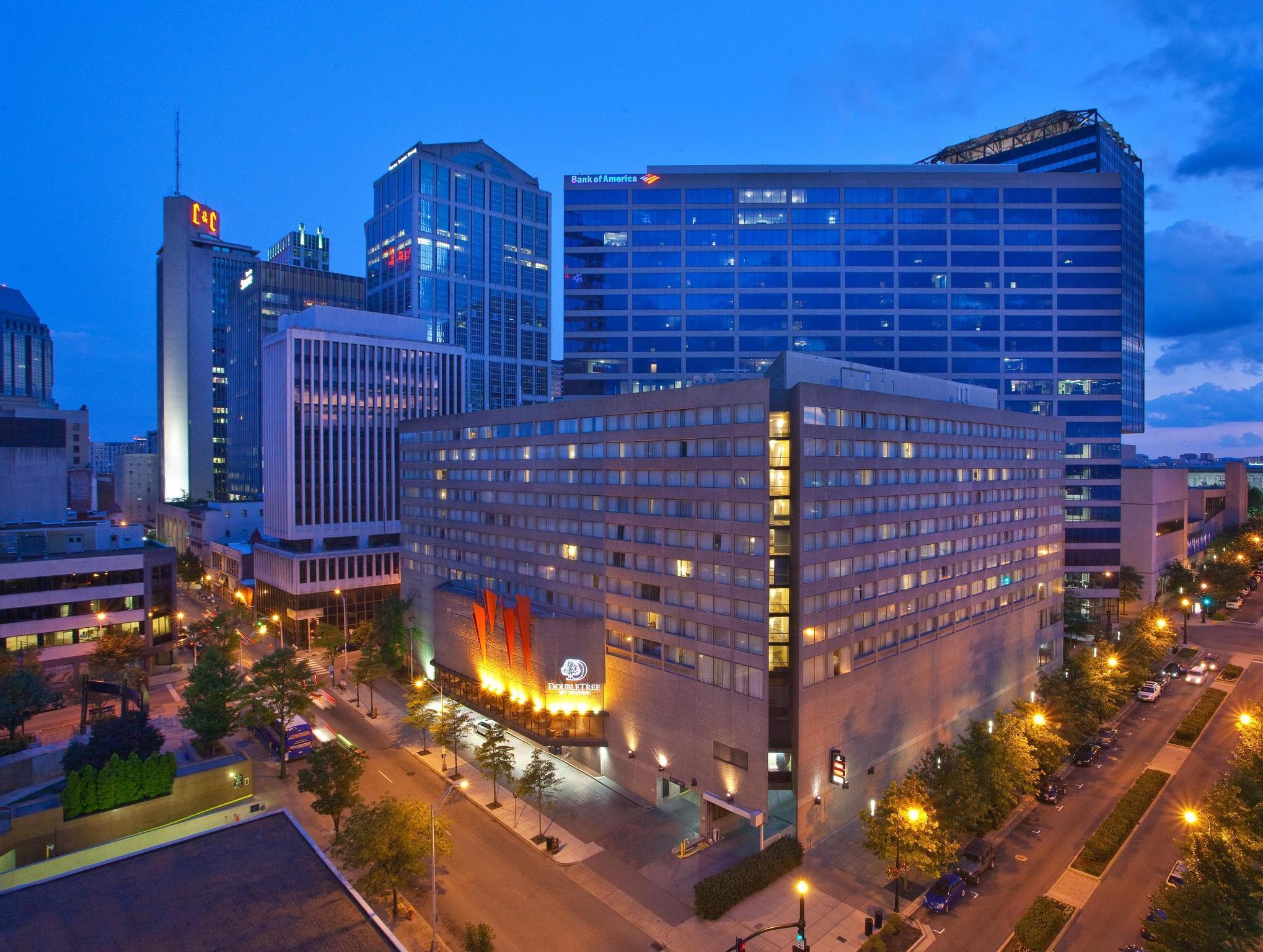 Doubletree By Hilton Downtown Nashville Hotel