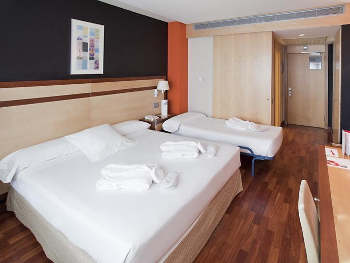 Ilunion Pio XII Hotel