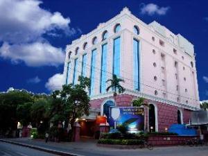 Quality Inn Sabari Hotel