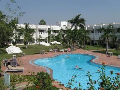 Usha Bundela Hotel 4