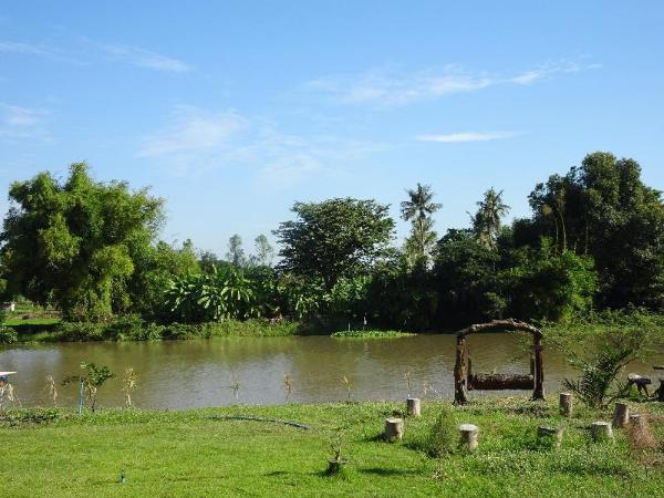 Happy Hamlets Resort Suphan Buri