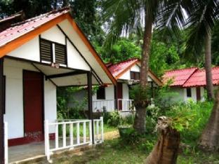 コ ワイ パカラン リゾート Koh Wai Pakarang Resort