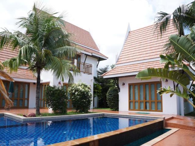 วีไอพี เชน รีสอร์ต พูล วิลลา – VIP Chain Resort Pool Villa
