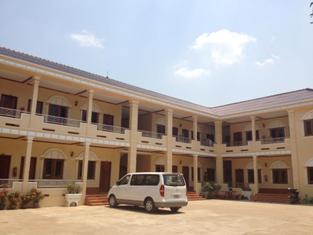 Thipphonexay Hotel