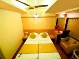 Rajhans Hotel