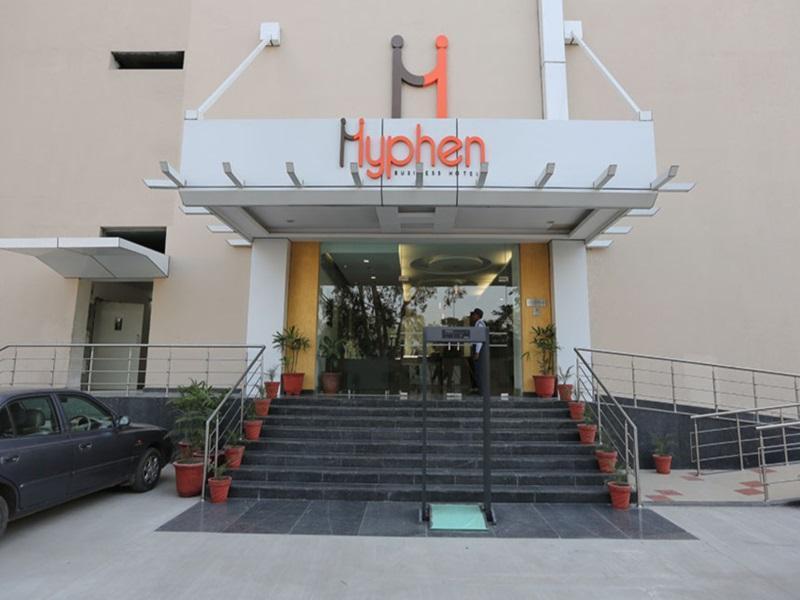 Hotel Hyphen Premier