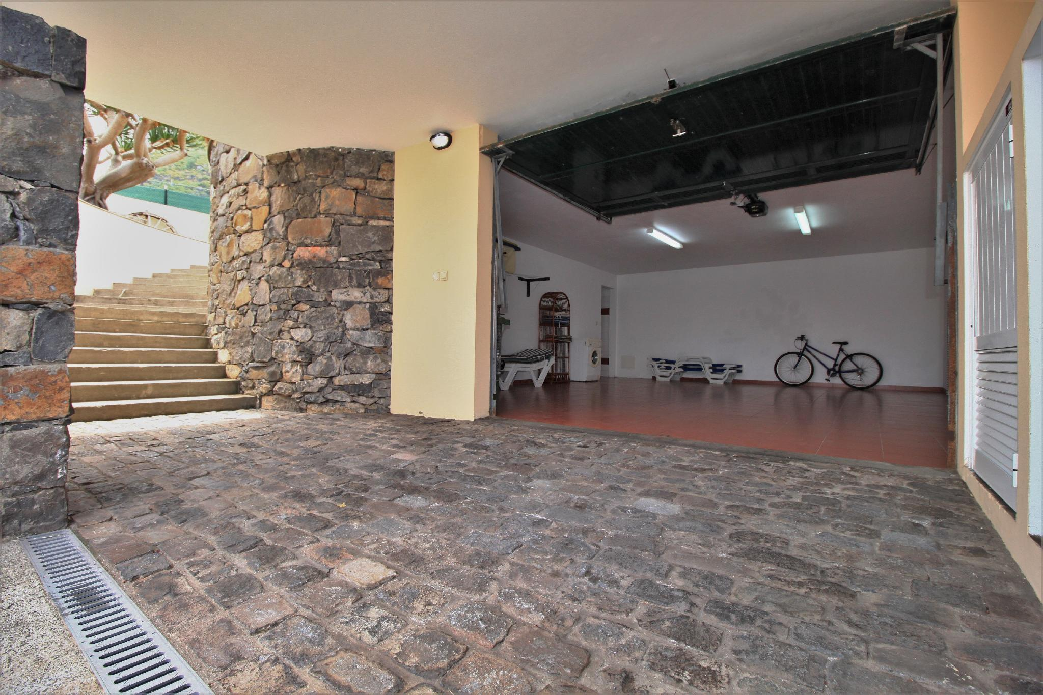 Porto Moniz Villa