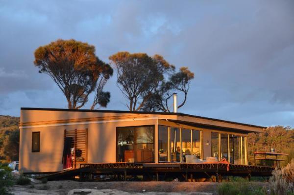 Sawyers Bay Shacks Flinders Island