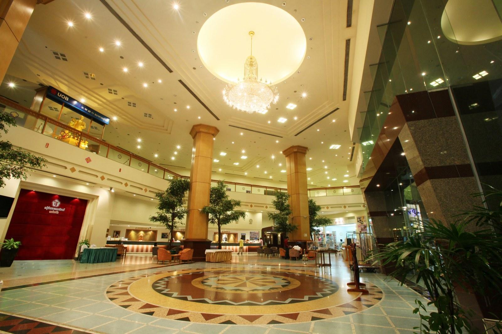 Thumrin Thana Hotel โรงแรมธรรมรินทร์ ธนา