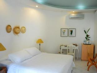 picture 2 of Cordova Reef Village Resort