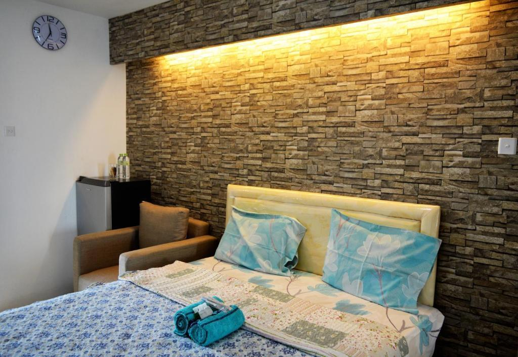 Bassura City Apartment By Roomku   Studio Unit 6