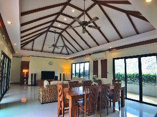 Phuket Luxury Pool Villa