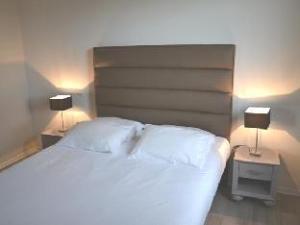 阿多尼斯巴约纳酒店 (Adonis Bayonne Hotel)