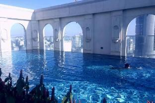 Icon56 2BR Apt with Luxury Rooftop Pool & Fitness