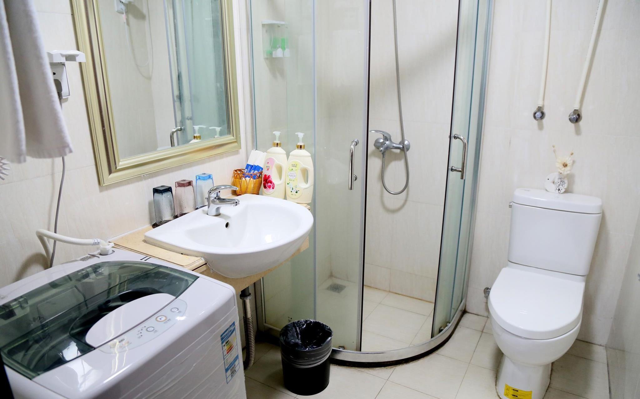 PAZHOU JUNYAO 2 Living Room And 1 Bedroom Apt