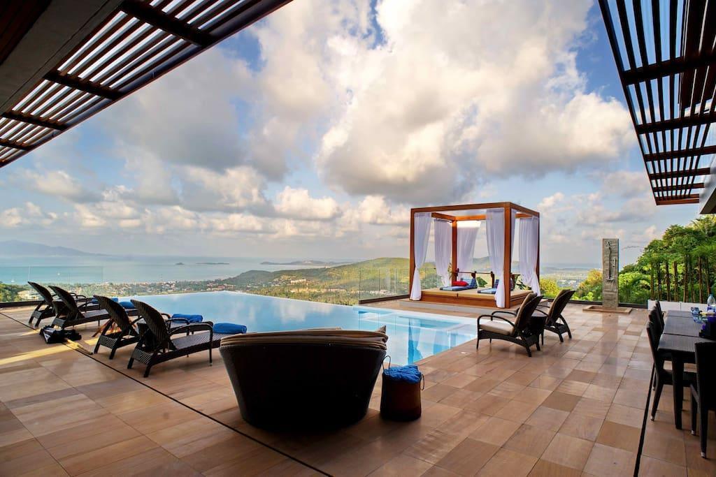 9 Bedroom Sea View Villa Blue - 5* with staff 9 Bedroom Sea View Villa Blue - 5* with staff