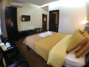 picture 2 of West Loch Park Hotel