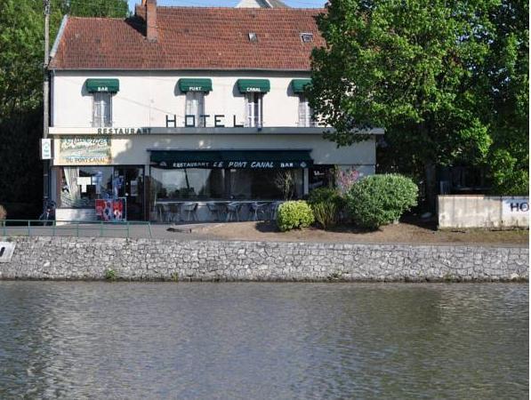 Auberge Du Pont Canal