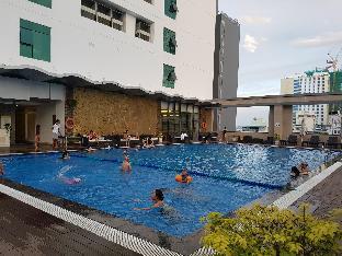MyHong  Center Beach-front Apartment