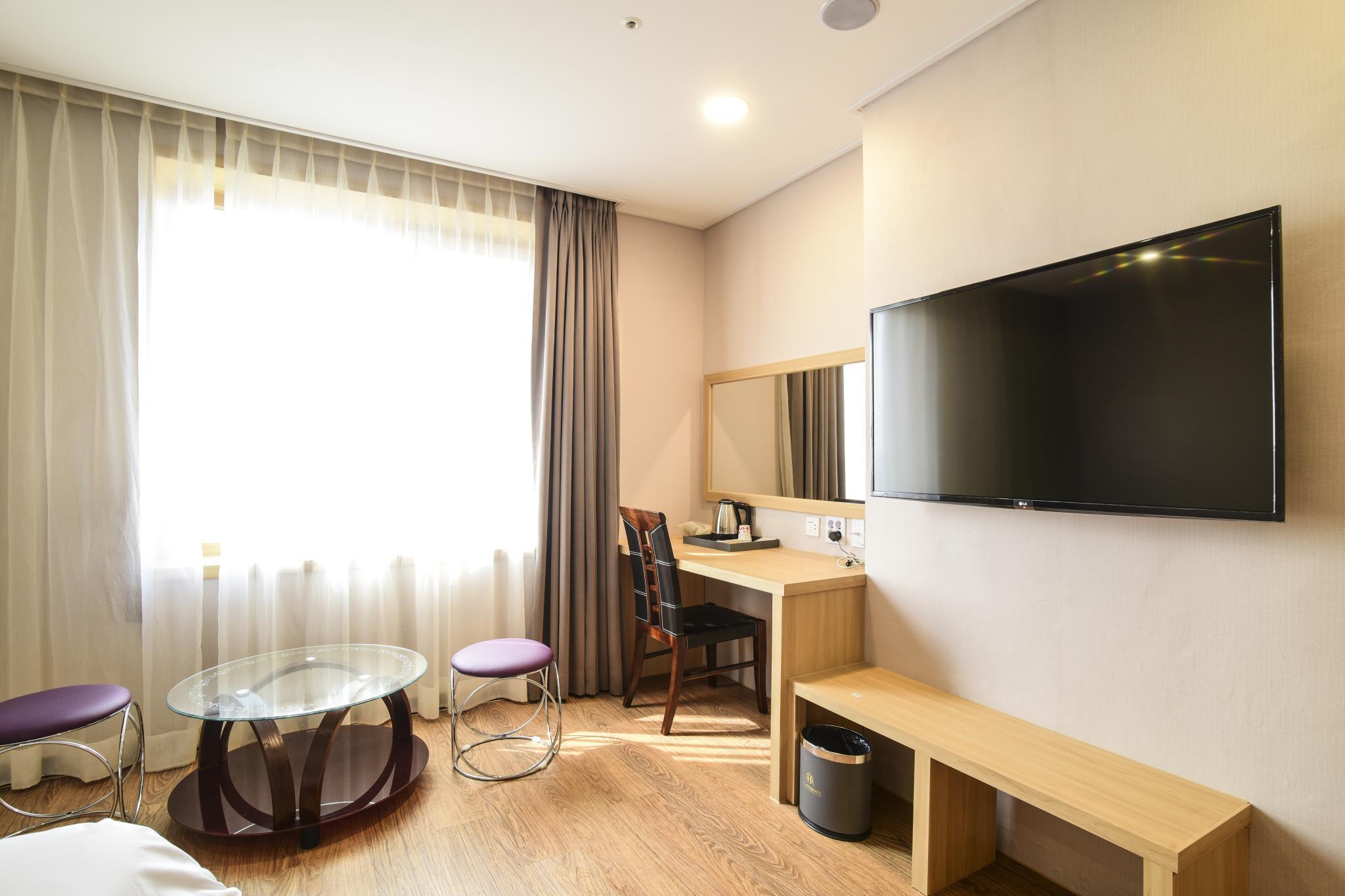 Royal Heritage Hotel Reviews