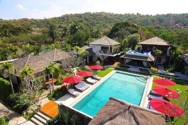 ?5 Star 9BR Private Luxury Pool Resort w/ Tennis Pattaya