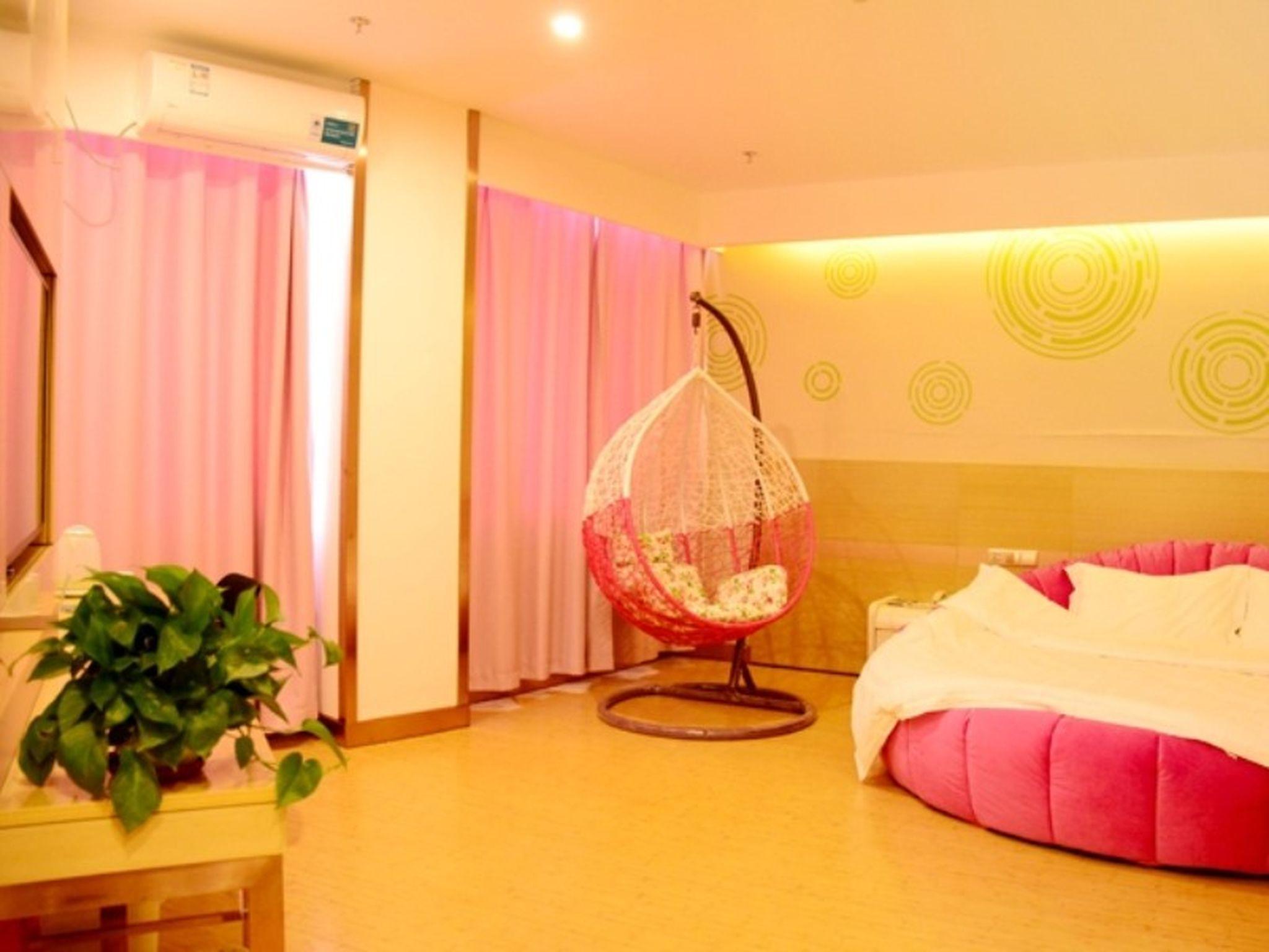 GreenTree Inn Taiyuan Wanbailin District Xike Station Yingxi High Speed Gate Express Hotel