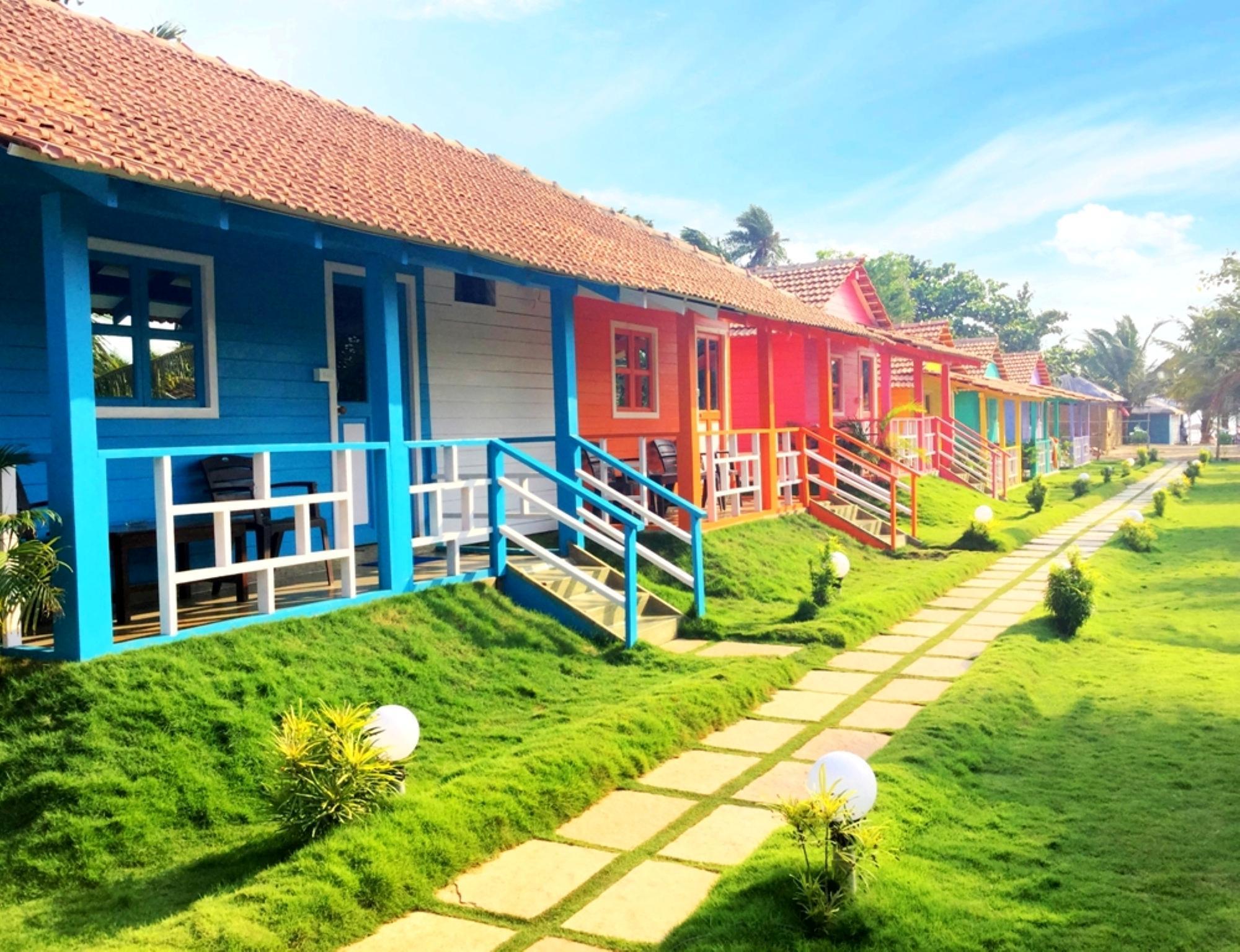 Morjim Queen Beach Resort  Cottages  In Goa