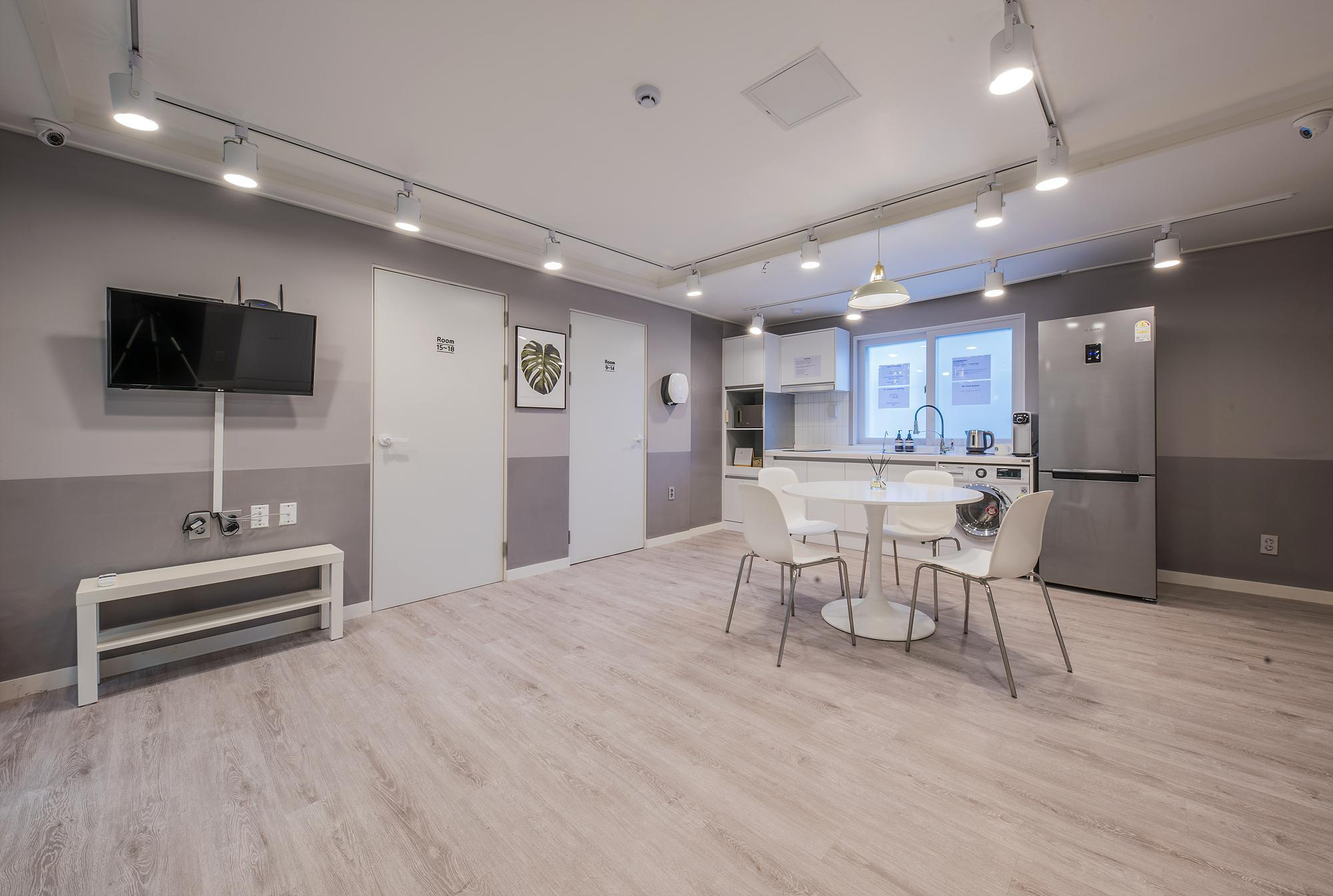 FlexHome Seoul  Foreigners Only