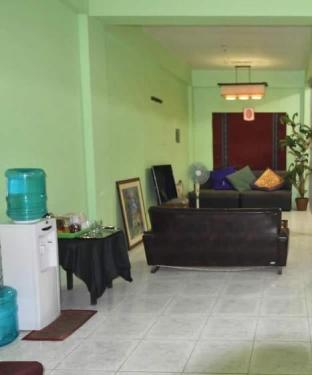 picture 3 of Mom's Coron Guesthouse