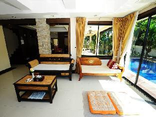 %name 4 Bedroom Thai Style Villa with Pool in Pattaya พัทยา