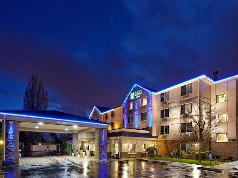 Holiday Inn Express Hotel And Suites Portland   Jantzen Beach