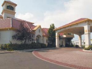La Quinta Pueblo Hotel