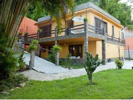 S�o Conrado Yellow House