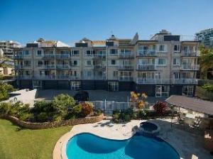 Mainsail Holiday Apartments