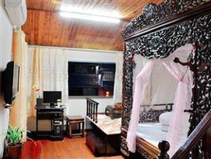 Xitang Wanghelou Inn