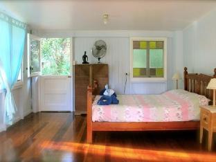 Noosa Avalon Farm Cottages Sunshine Coast Queensland Australia