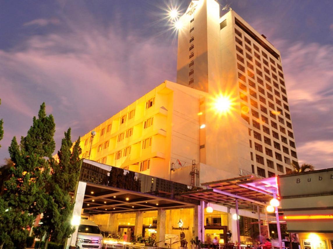 Pornping Tower Hotel โรงแรมพรพิงค์ ทาวเวอร์