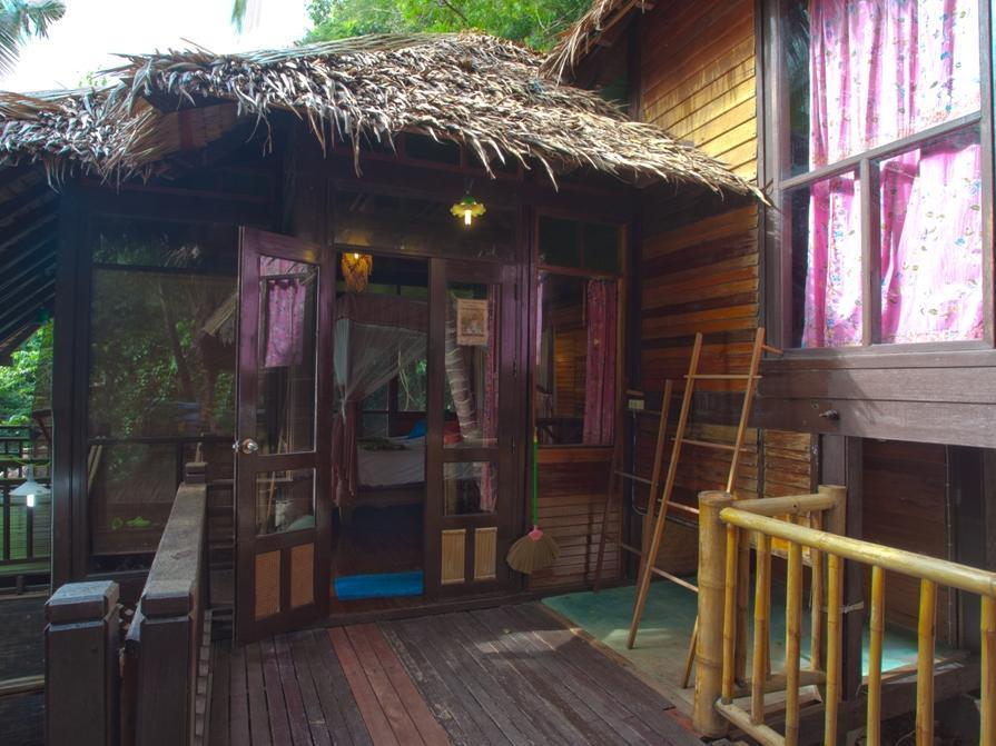 Charm Churee Village Resort จามจุรี วิลเลจ รีสอร์ท