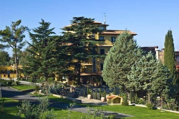 Green Hotel Poggio Regillo Rome