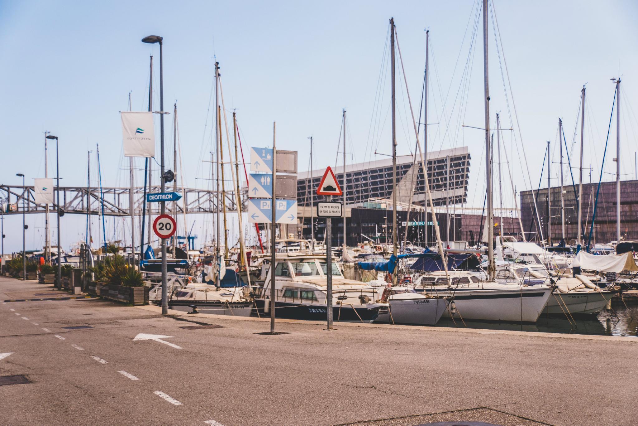 Motor Yacht Boatel Bunk Cabin B&B